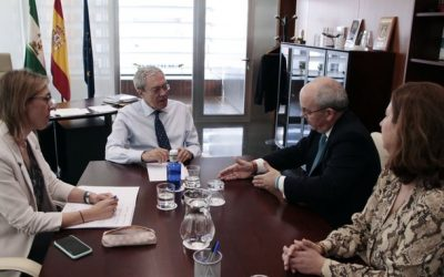 Reunión del presidente de las Cámaras de Andalucía con el consejero de Economía