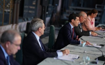 """El presidente de la Junta considera """"esencial"""" el papel de las Cámaras"""
